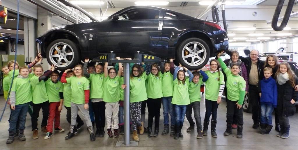 22.1.2015 – BESUCH der Neuen Mittelschule Patenklasse 1a im Autohaus Baschinger